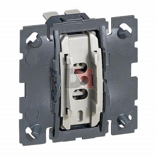 Céliane Interrupteur ou va-et-vient oucommande de VMC 10AX 230V